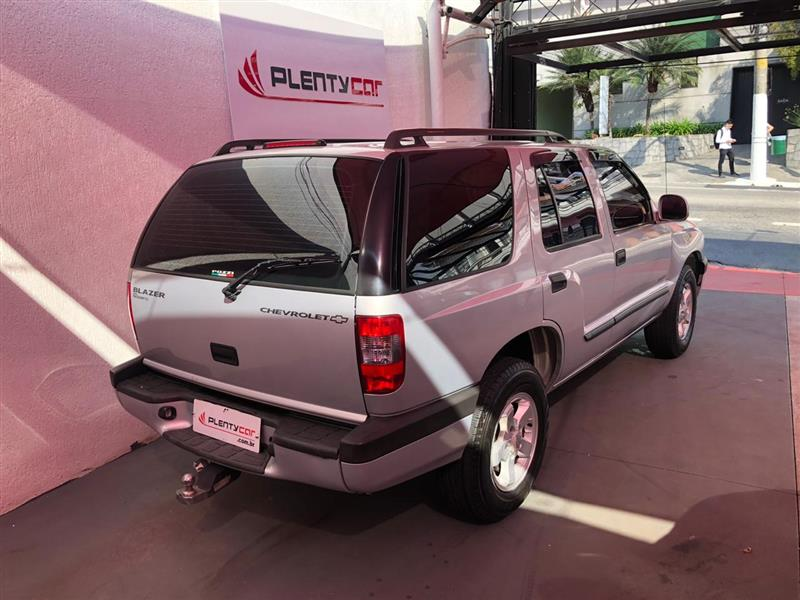 CHEVROLET BLAZER 2.4 MPFI ADVANTAGE 4X2 8V GASOLINA 4P MANUAL 2005/2005